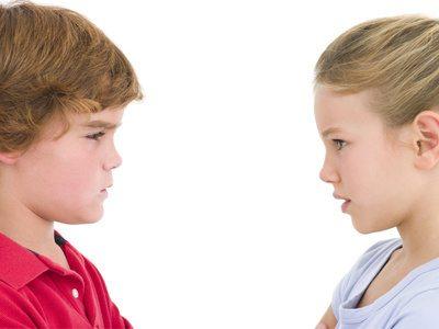 Warum Kinder streiten - Wie Sie damit umgehen können